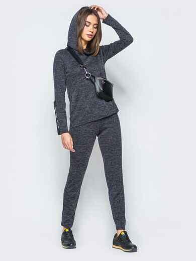 Спортивный комплект серого цвета с капюшоном на кофте - 17404, фото 1 – интернет-магазин Dressa