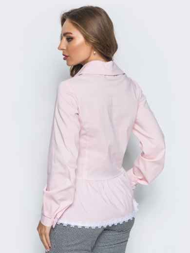 Блузка с воланом по низу и функциональными пуговицами розовая - 14172, фото 3 – интернет-магазин Dressa