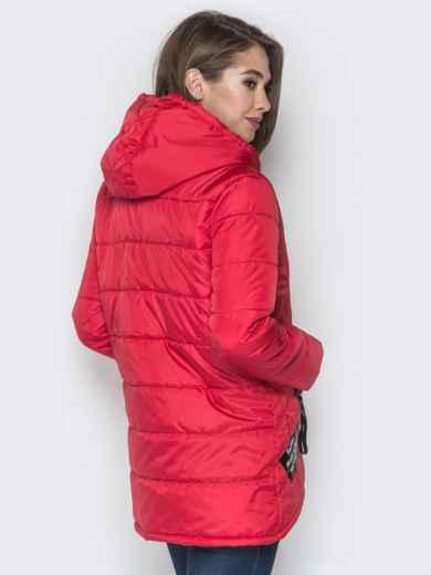 Красная куртка с капюшоном и нашивками спереди 20228, фото 3