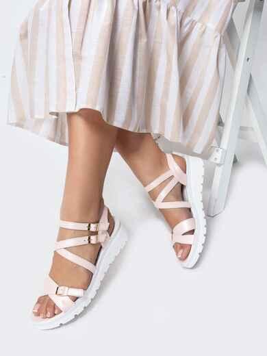 Пудровые сандалии из натуральной кожи на тонких ремешках - 21448, фото 1 – интернет-магазин Dressa