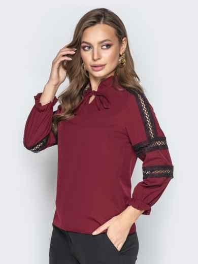 Бордовая блузка с фатиновыми вставками и воротником на завязках - 20783, фото 2 – интернет-магазин Dressa