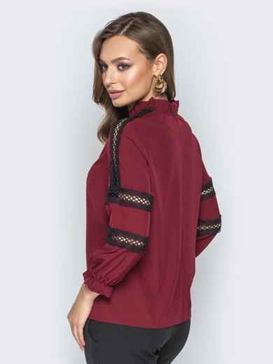Бордовая блузка с фатиновыми вставками и воротником на завязках - 20783, фото 3 – интернет-магазин Dressa