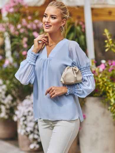 Шифоновая блузка с длинным рукавом и треугольным вырезом голубая 54634, фото 1