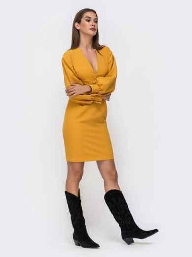 Платье горчичного цвета с V-вырезом 41748, фото 3