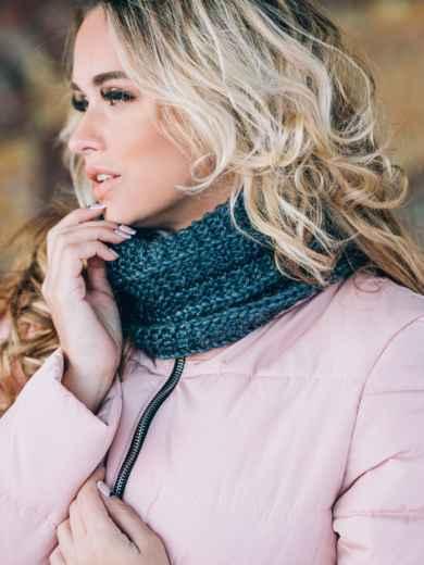Синие шапка и шарф с переплётом изнаночной вязки - 14893, фото 4 – интернет-магазин Dressa