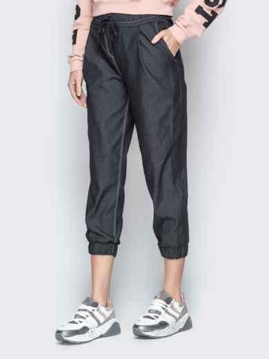 Укороченные брюки из черного джинса с резинкой по талии - 21058, фото 2 – интернет-магазин Dressa