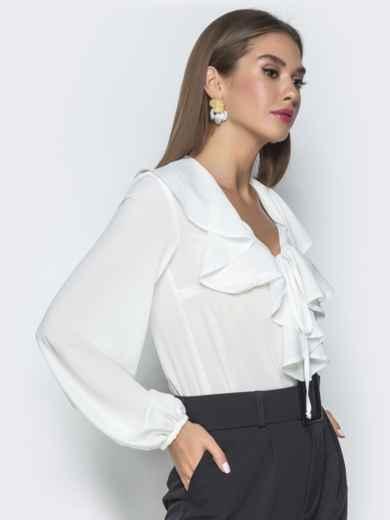 Белая блузка с рюшами по горловине - 40106, фото 3 – интернет-магазин Dressa