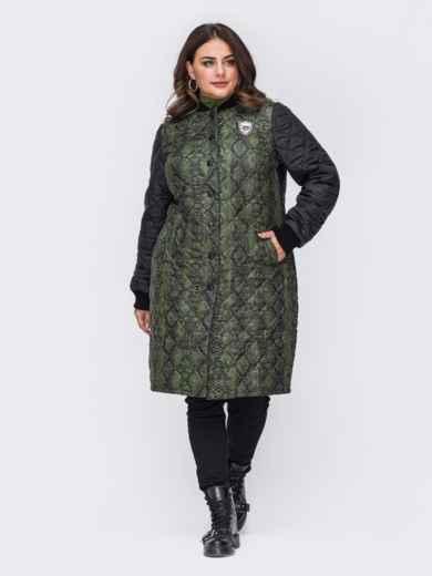 Демисезонная куртка батал с анималистическим принтом зеленая 50751, фото 1