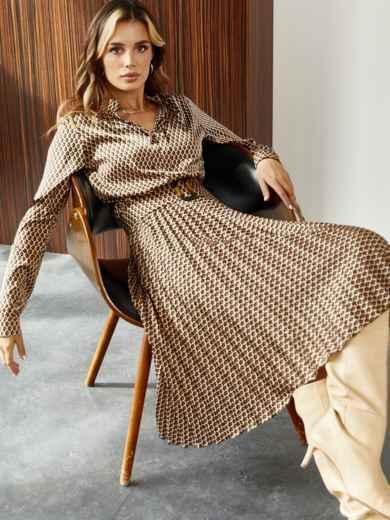 Шелковое платье с принтом и юбкой-плиссе коричневое 55372, фото 1