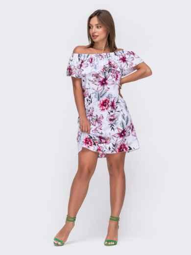 Платье с цветочным принтом и открытыми плечами белое 49324, фото 1
