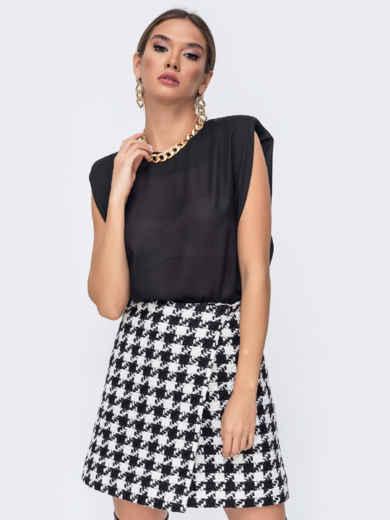 Чёрная блузка oversize прямого кроя с уплотненными плечами 52386, фото 1