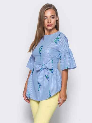 Приталенная блузка с синим принтом с рукавами-воланами - 10159, фото 2 – интернет-магазин Dressa