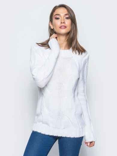 """Белый свитер с крупными """"косами"""" на полочке - 16042, фото 2 – интернет-магазин Dressa"""