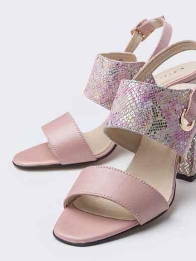Пудровые босоножки на устойчивом каблуке - 38987, фото 3 – интернет-магазин Dressa