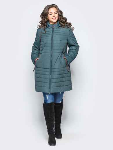Удлиненная куртка со съемным капюшоном и заклёпкой на карманах бирюзовая - 16953, фото 1 – интернет-магазин Dressa