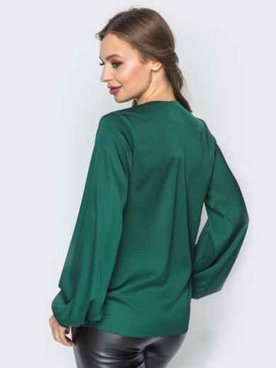 5818bdfda07e Зелёная шелковая блузка на запах 19775