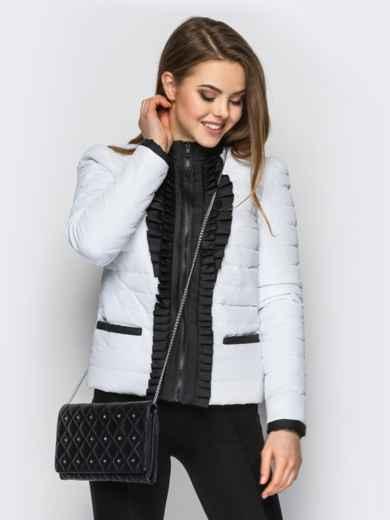 Белая куртка с контрастной рюшей на полочке - 12940, фото 2 – интернет-магазин Dressa