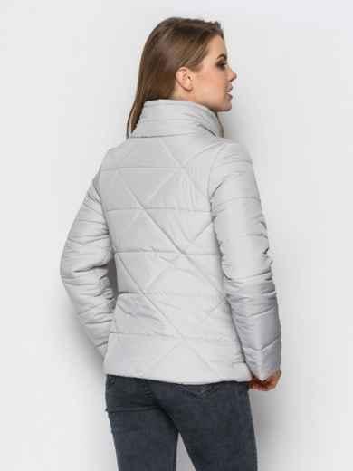 Серая куртка на силиконе с высоким воротником - 12932, фото 3 – интернет-магазин Dressa