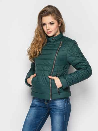 Зелёная куртка со смещенной молнией на полочке - 12949, фото 2 – интернет-магазин Dressa