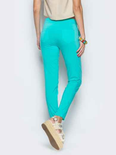 Бирюзовые брюки-бойфренды с резинкой на поясе - 12754, фото 2 – интернет-магазин Dressa