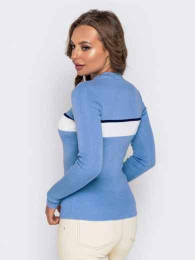 Вязаный гольф голубого цвета с контрастной вставкой - 40775, фото 3 – интернет-магазин Dressa