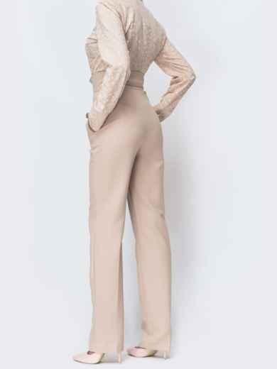 Бежевые брюки прямого кроя с высокой посадкой - 44115, фото 2 – интернет-магазин Dressa