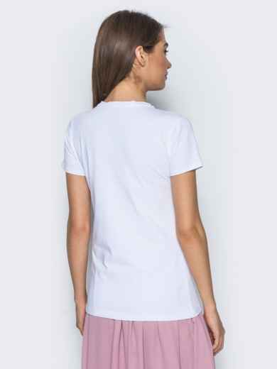 Белая футболка из хлопковой ткани с принтом в виде лаванды - 14535, фото 2 – интернет-магазин Dressa
