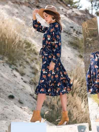 Принтованное платье тёмно-синего цвета с воланом - 41347, фото 3 – интернет-магазин Dressa