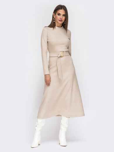 Расклешенное платье из трикотажа с поясом бежевое 42222, фото 1