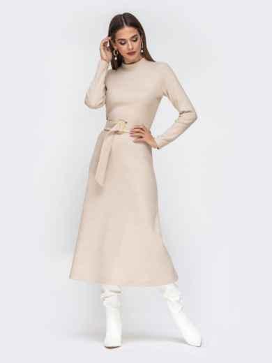 Расклешенное платье из трикотажа с поясом бежевое - 42222, фото 2 – интернет-магазин Dressa