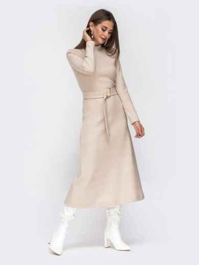 Расклешенное платье из трикотажа с поясом бежевое - 42222, фото 3 – интернет-магазин Dressa