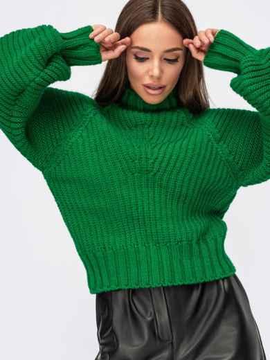 Вязаный свитер с обьёмными рукавами и фактурными полосами зелёный 55576, фото 1