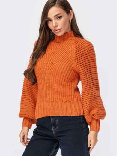 Вязаный свитер с обьёмными рукавами и фактурными полосами оранжевый 55577, фото 1