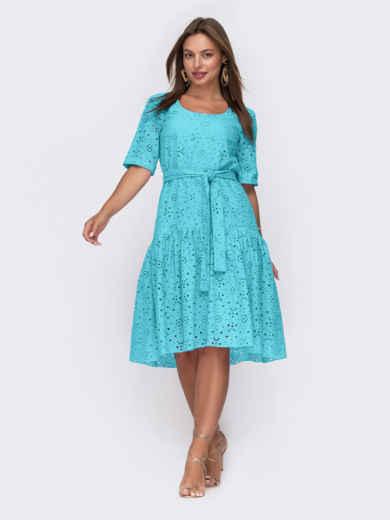 Свободное платье из прошвы с воланом по низу голубое 49570, фото 1