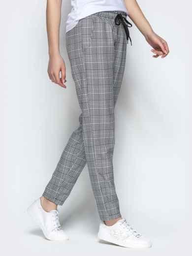 Клетчатые штаны из жаккарда с кулиской по талии серый - 21846, фото 2 – интернет-магазин Dressa