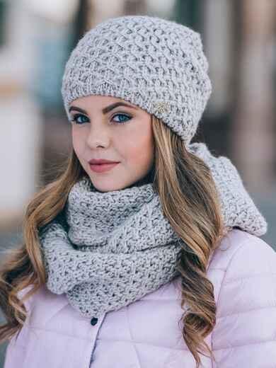 Светло-бежевые шапка и хомут с плотным узором - 14868, фото 1 – интернет-магазин Dressa