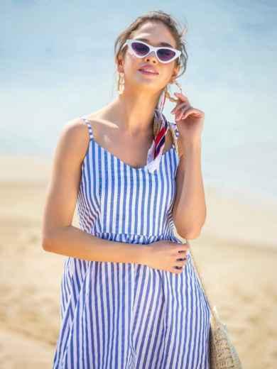 Льняной сарафан в широкую полоску с расклешенной юбкой синий - 38673, фото 1 – интернет-магазин Dressa