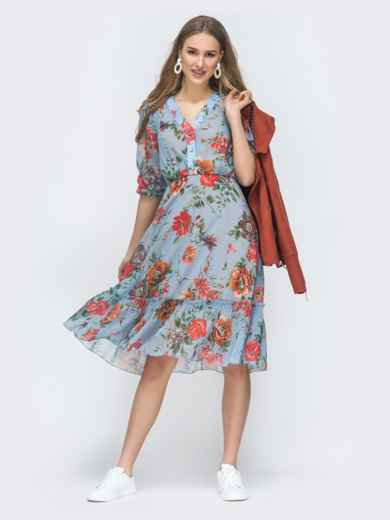 Голубое платье с цветочным принтом и оборкой по низу - 45461, фото 2 – интернет-магазин Dressa