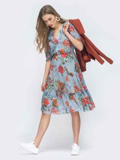 Голубое платье с цветочным принтом и оборкой по низу - 45461, фото 3 – интернет-магазин Dressa