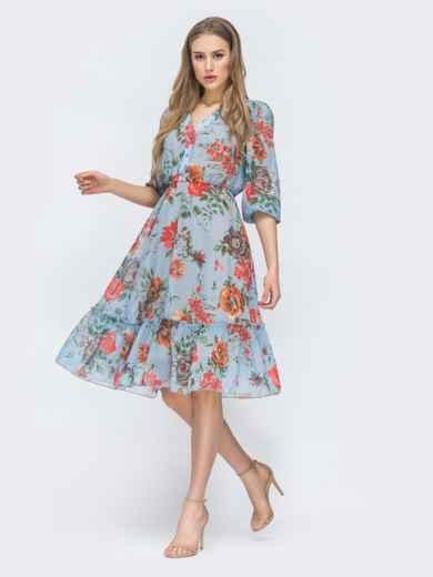 Голубое платье с цветочным принтом и оборкой по низу - 45461, фото 6 – интернет-магазин Dressa
