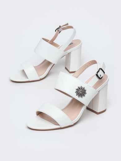 Белые босоножки из изкусственной кожи на каблуке 45997, фото 1