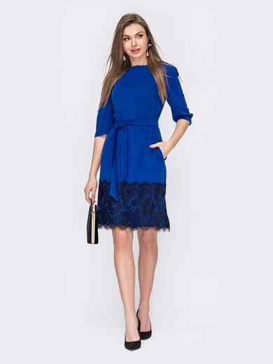 Платье прямого кроя с кружевом по низу синее 53014, фото 1