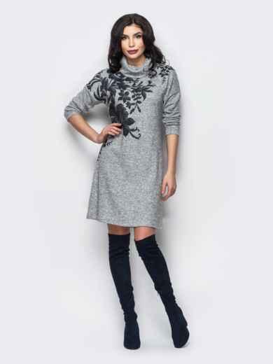 Трикотажное платье-гольф с цветочным принтом серое - 13158, фото 3 – интернет-магазин Dressa