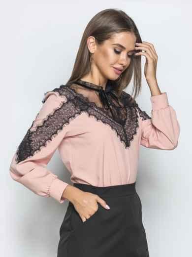 Блузка пудрового цвета с кружевными вставками - 39755, фото 2 – интернет-магазин Dressa