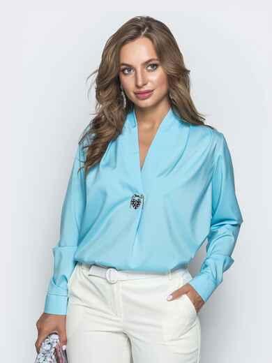 Голубая блузка прямого кроя с V-вырезом - 39739, фото 1 – интернет-магазин Dressa