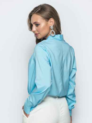 Голубая блузка прямого кроя с V-вырезом - 39739, фото 2 – интернет-магазин Dressa