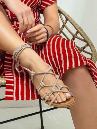 Босоножки-гладиаторы бежевого цвета - 47292, фото 2 – интернет-магазин Dressa
