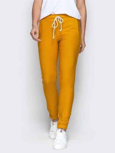 Зауженные брюки с отворотами и резинокй по талии горчичные 21076, фото 1