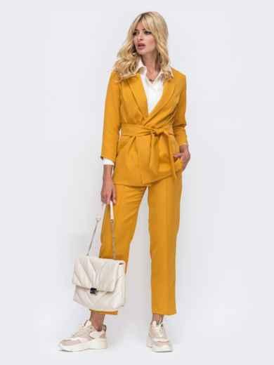 Желтый комплект с укороченными брюками и жакетом на запах 50468, фото 2