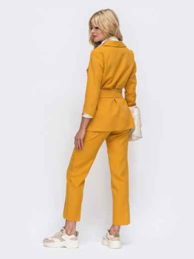 Желтый комплект с укороченными брюками и жакетом на запах 50468, фото 4